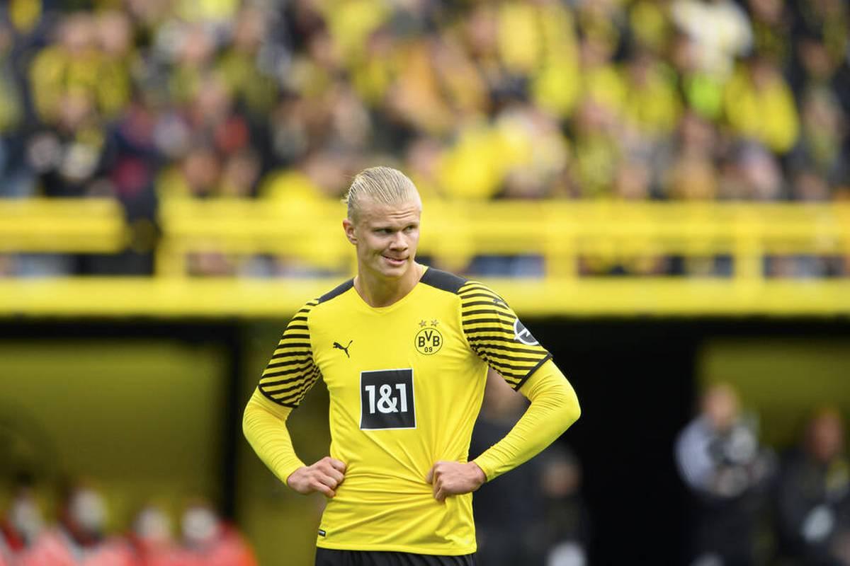Erling Haaland hat sich am Hüftbeuger verletzt. SPORT1 weiß, wie schwer die Verletzung des Superstars von Borussia Dortmund wirklich ist.