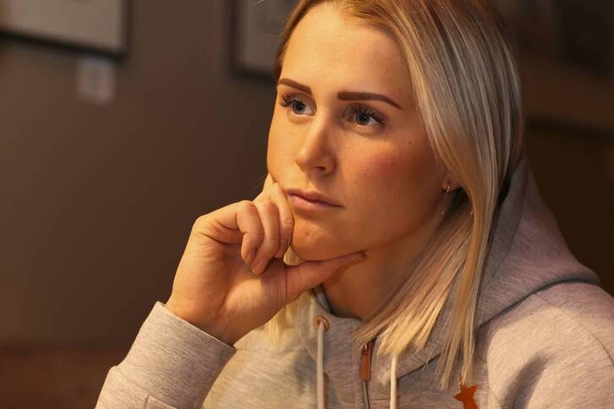 Emelie Wikström beendet überraschend ihre Karriere im Ski-Sport. Die Schwedin räumt ein mentales Problem ein, spricht auch von Blut und Tränen.