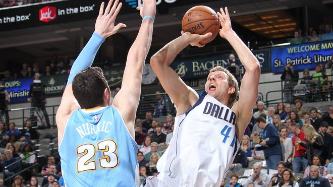 Dirk Nowitzki gewinnt mit den Dallas Mavericks gegen die Denver Nuggets