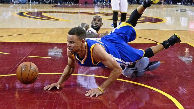 Stephen Curry ist mit den Golden State Warriors nur einen Sieg vom Titel entfernt