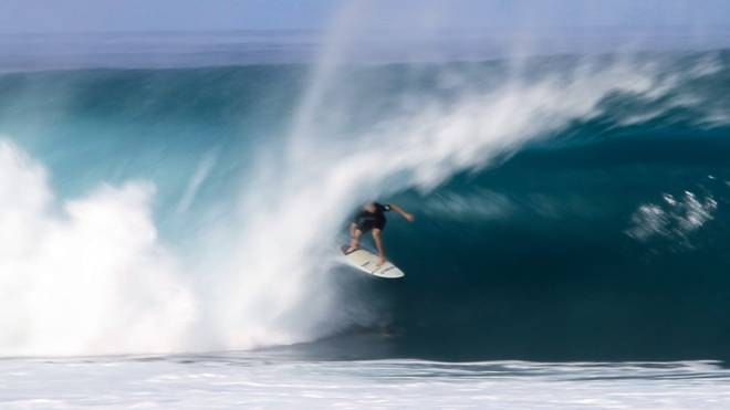 O'Neill Wave of the Winter: Nathan Florence at Pipeline