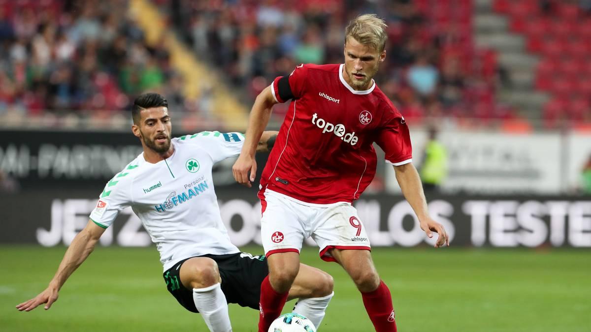 Die SpVgg Greuther Fürth (l.: Marco Caligiuri) und der 1. FC Kaiserslautern (r.: Sebastian Andersson) spielen am 15. Spieltag zuhause