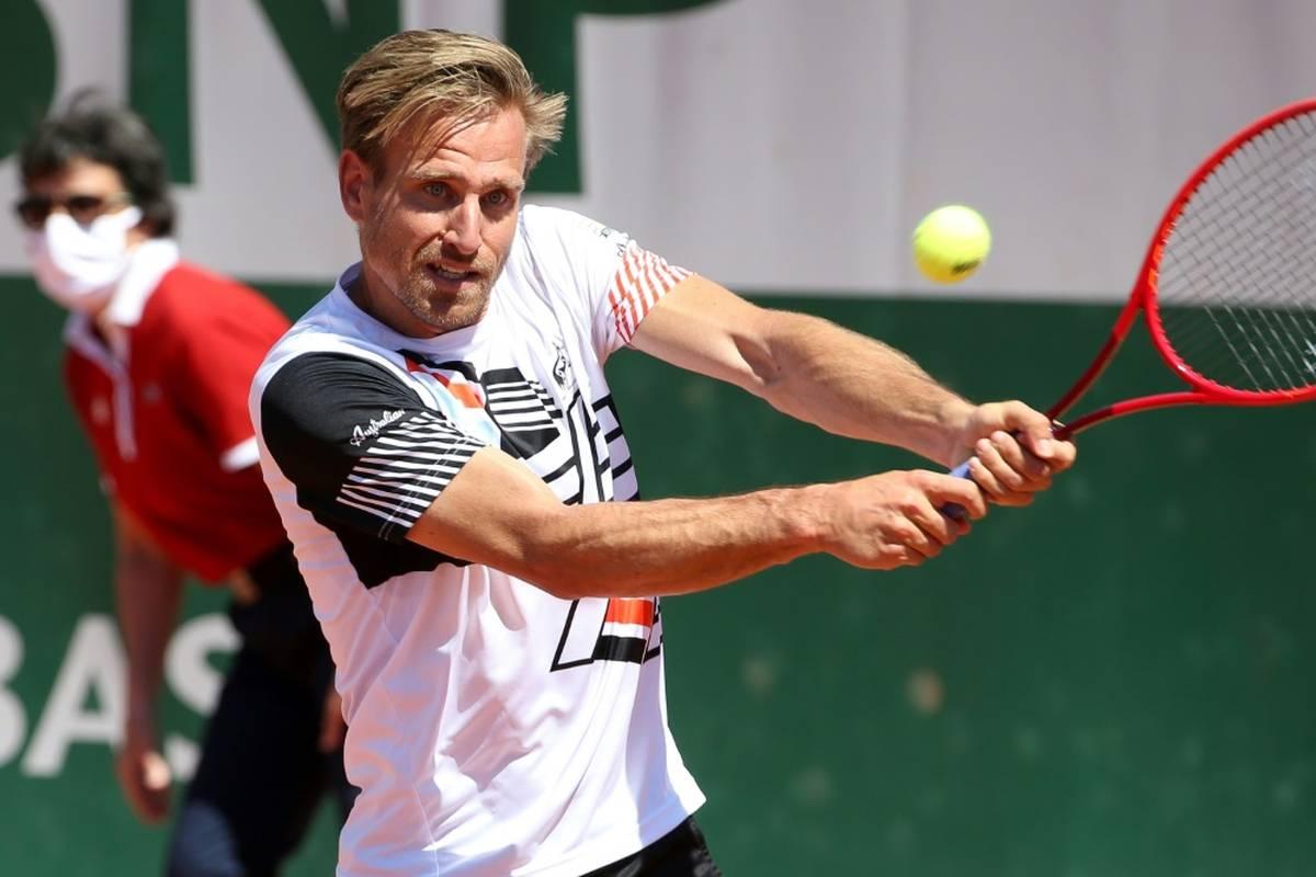 Peter Gojowczyk befindet sich weiter auf einer Erfolgswelle. Der deutsche Tennisprofi schlägt in Metz einen Russen und zieht ins Viertelfinale ein.