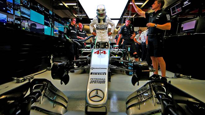 Lewis Hamilton hat nach den ersten vier Saisonrennen 43 Punkte Rückstand auf seinen Teamkollegen Rosberg