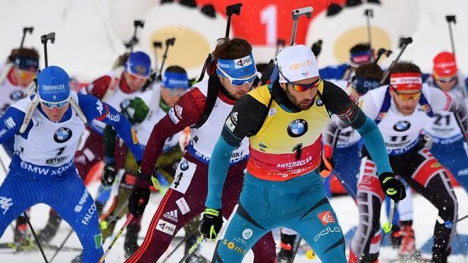 Martin Fourcade (v.) geht als einer der Topfavoriten im Biathlon in die Olympischen Spiele