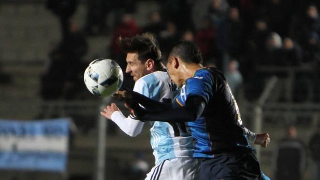 Lionel Messi verletzt sich am Rücken