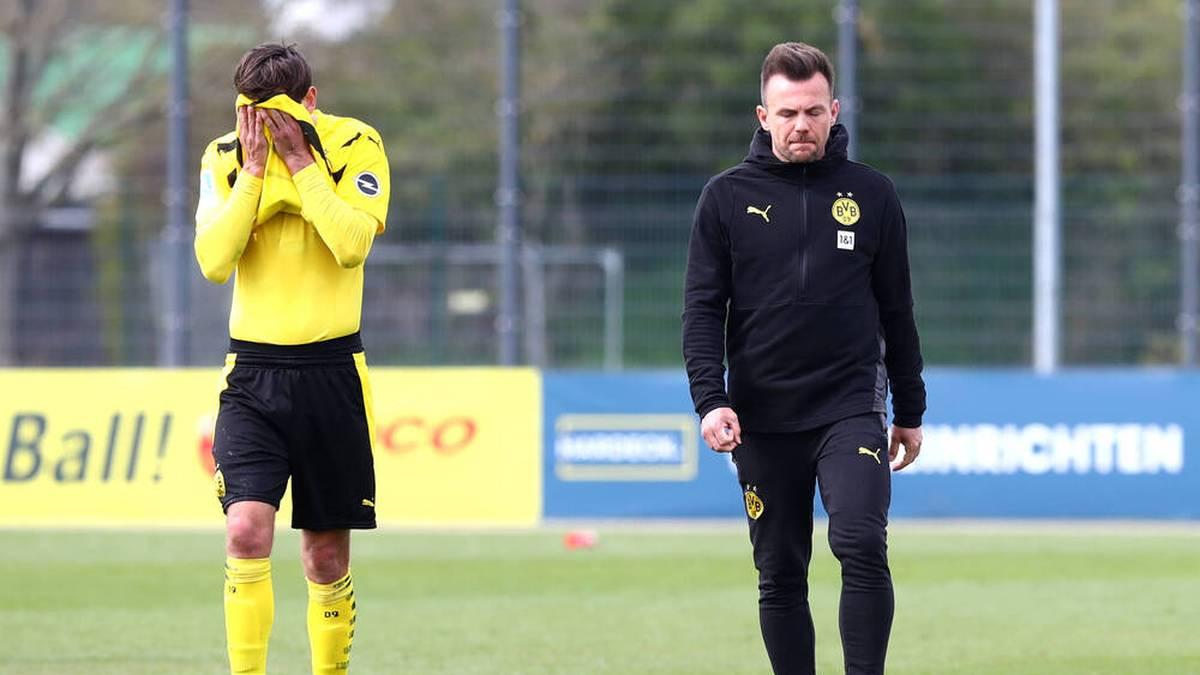 Trainer Enrico Maaßen liegt mit dem BVB II auf Aufstiegskurs