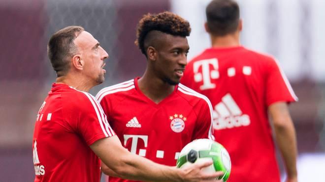 Franck Ribery (l.) hat einen Rat für Kingsley Coman