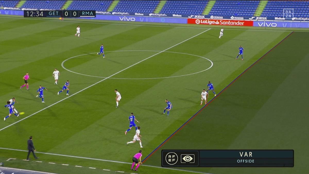 Ein stark ersatzgeschwächtes Real Madrid muss sich bei Getafe mit einem Punkt begnügen, auch weil Mariano Diaz beim vermeintlichen Führungstor Millimeter im Abseits steht