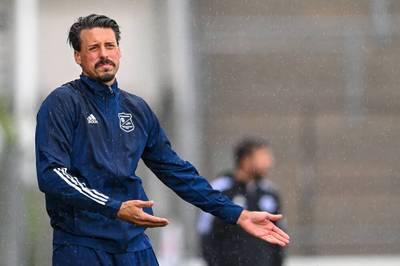 Die Regionalliga-Partie zwischen Sandro Wagners SpVgg Unterhaching und der SpVgg Bayreuth wird wegen Coronafällen verlegt.