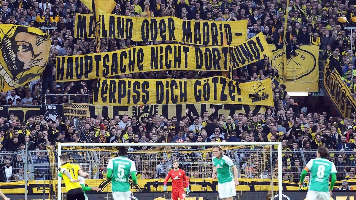 Banner gegen Mario Götze beim BVB