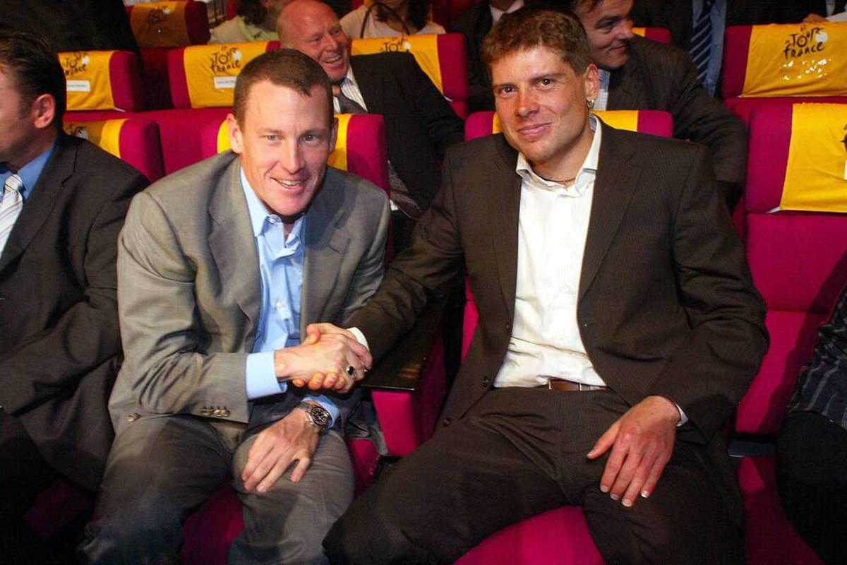 Jan Ullrich hat sich mit seinem einstigen Rivale Lance Armstrong zu einer Ausfahrt getroffen. Dabei wird auch ein offenes Geständnis des Ex-Radstars öffentlich.