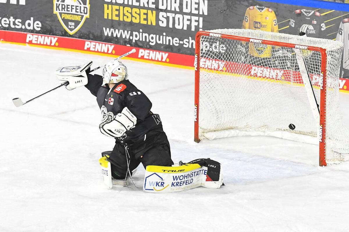 2003 werden die Krefeld Pinguine sensationell Deutscher Meister. Nur 18 Jahre später stürzt der Klub in der PENNY DEL von einem Chaos ins nächste.