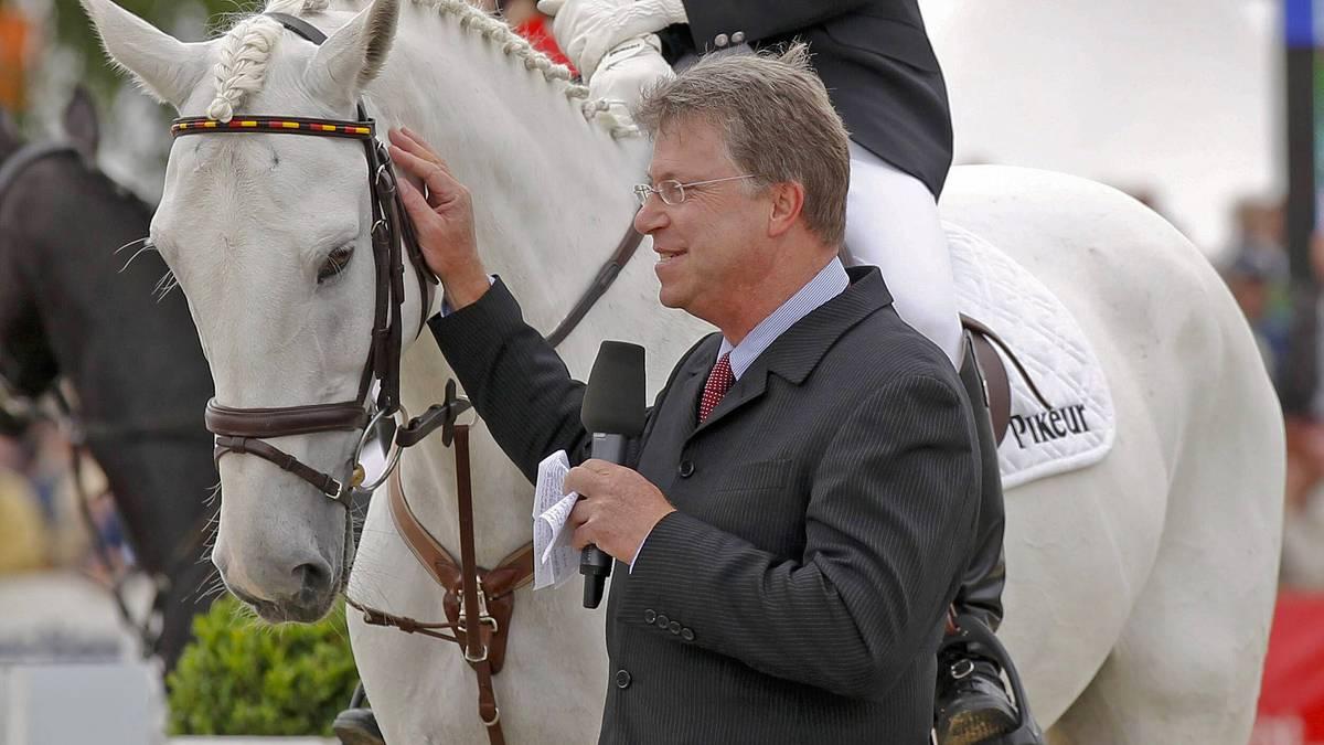 Carsten Sostmeier gilt in Deutschland als die Stimme des Reitsports