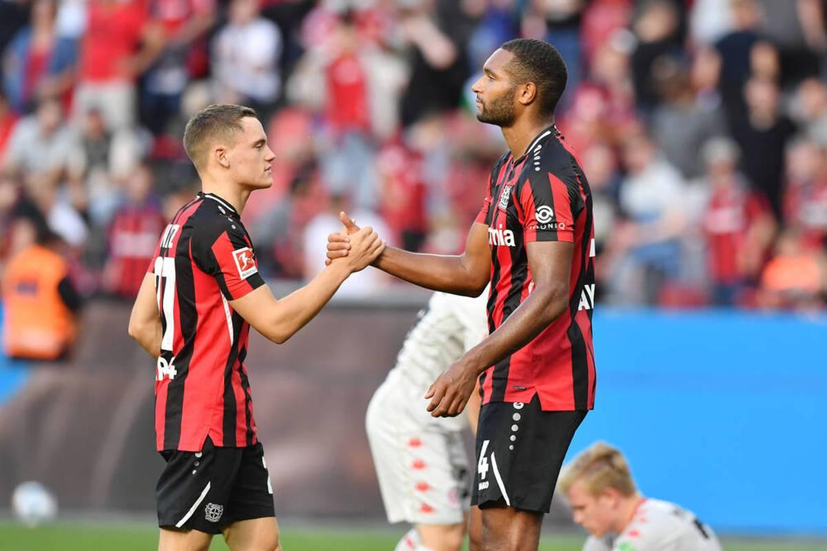 Bayer Leverkusen hat den Vertrag mit Jonathan Tah vorzeitig verlängert. Der Nationalspieler bleibt der Werkself noch mehrere Jahre erhalten.