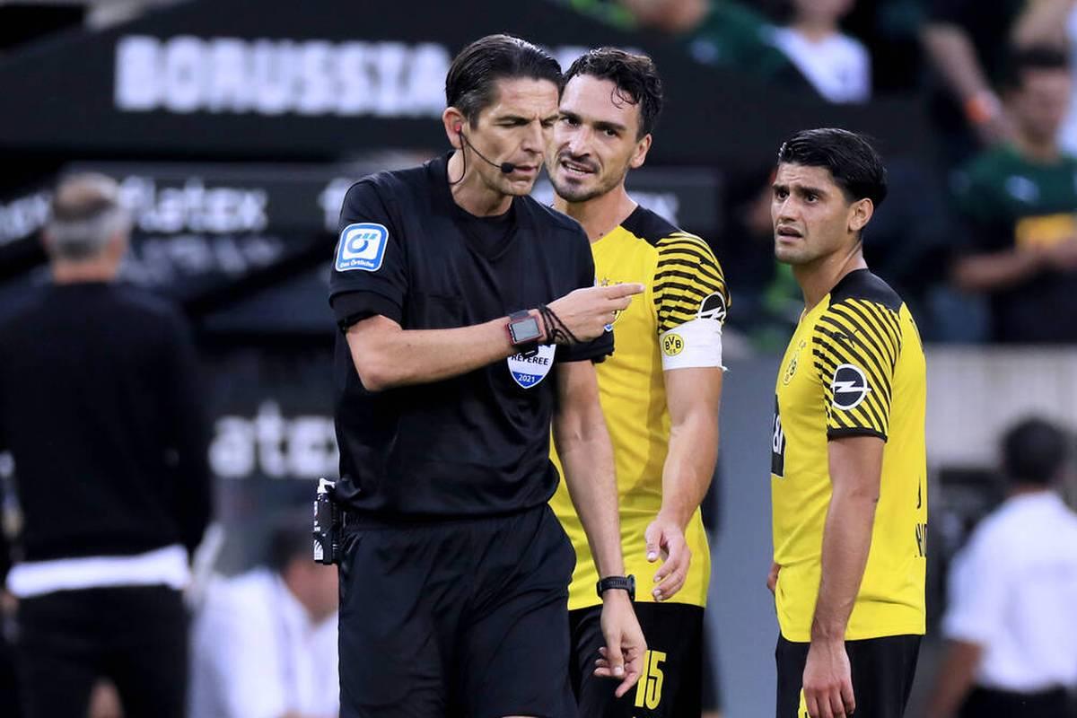 Mats Hummels sorgt mit einer klaren Ansage für Aufruhr in Dortmund. Ist die scharfe Kritik an einem Teamkollegen gerechtfertig, oder überzogen?