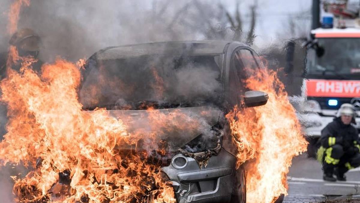 Autobrand: Wer zahlt den Schaden?