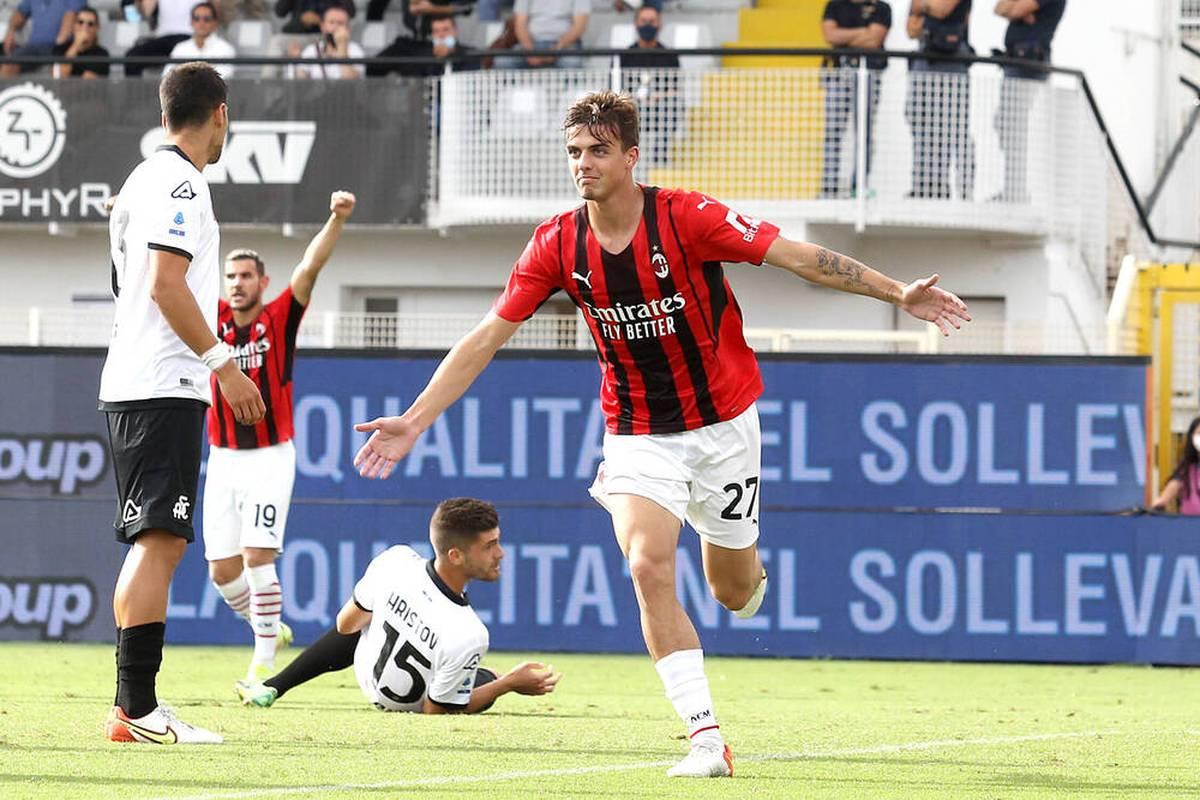 Paolo Maldinis Sohn Daniel triff bei seinem Startelf-Debüt für den AC Mailand. Der 19-Jährige übertrumpf damit sogar seinen berühmten Vater.