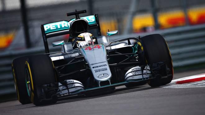 Lewis Hamilton landet im letzten freien Training vor Nico Rosberg