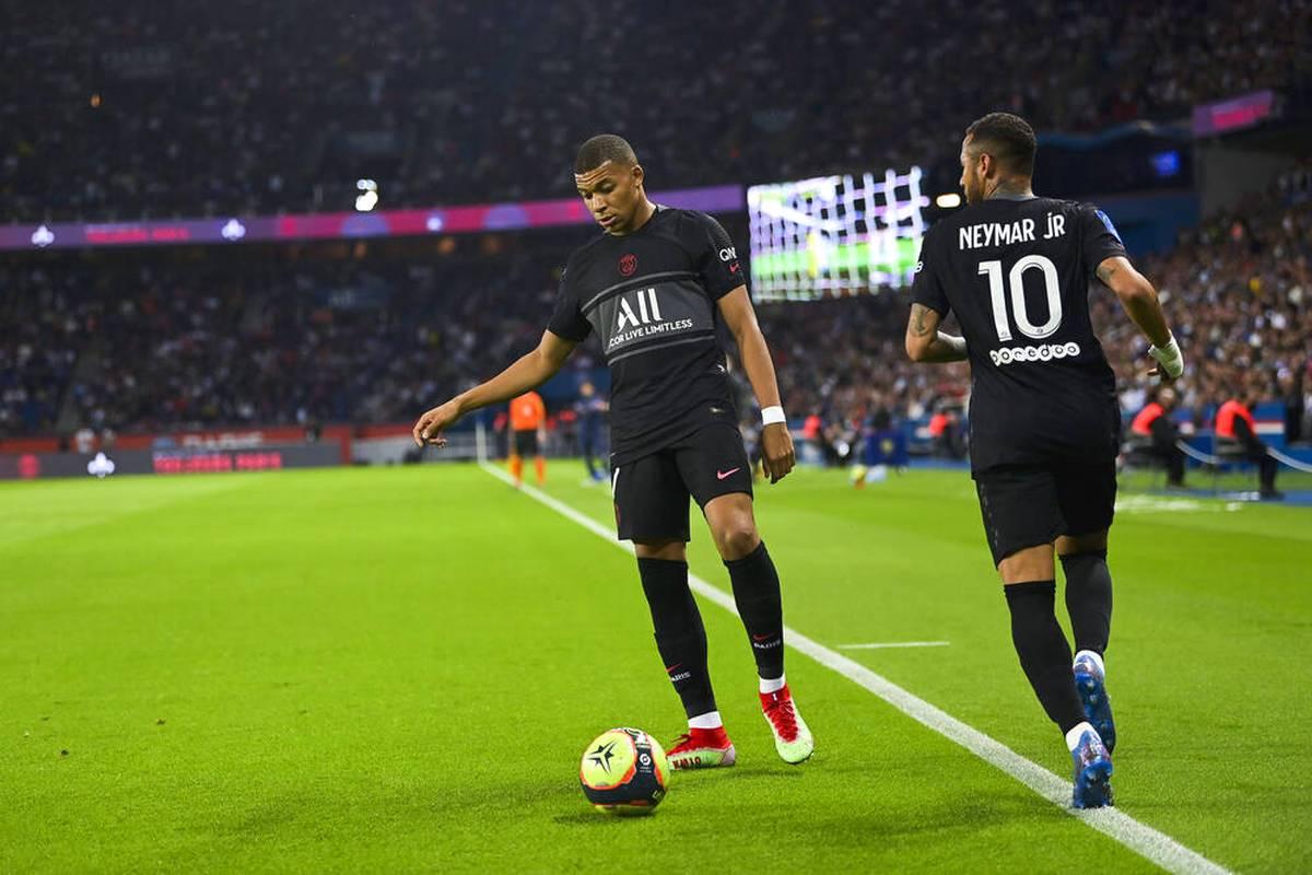 Bei Paris Saint Germain kommt es in den letzten Wochen immer wieder zu Stress. Der wechselwillige Kylian Mbappé steht dabei oft im Mittelpunkt der Streitereien. Sogar bei PSG-Toren meckert er inzwischen.