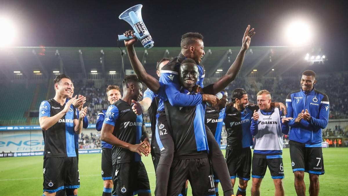 Die Spieler des FC Brügge feiern die Meisterschaft
