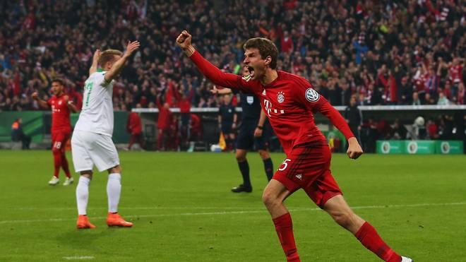 Thomas Müller erzielt seine Pflichtspieltore 150 und 151 für den FC Bayern