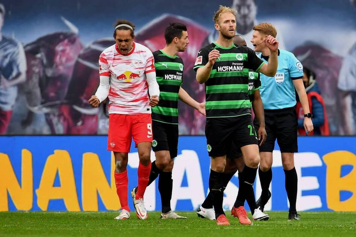 RB Leipzig schlägt Greuther Fürth nach einer schwacher ersten Halbzeit souverän. Der Aufsteiger bleibt weiter sieglos.