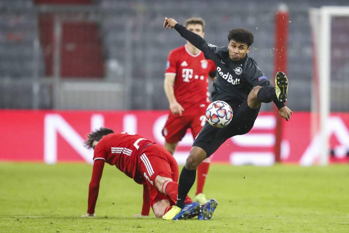 Karim Adeyemi wird von mehreren europäischen Topklubs gejagt. Darunter ist weiterhin der FC Bayern. Ein interessantes Detail könnte nun dem FC Bayern zugutekommen.