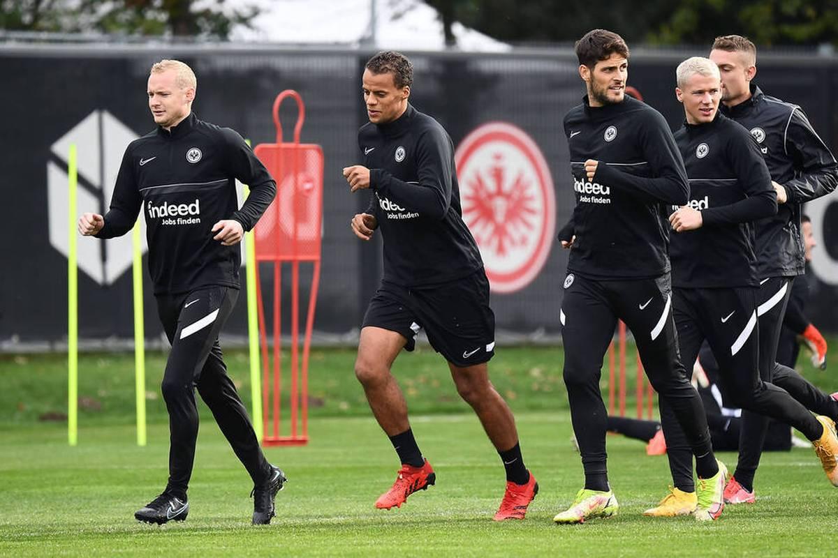 Der Kapitän kehrt zurück! Eintracht Frankfurt hofft im Heimspiel der Europa League gegen Olympiakos Piräus auf Sebastian Rode. Trainer Glasner fordert eine Reaktion nach der Niederlage in der Liga.