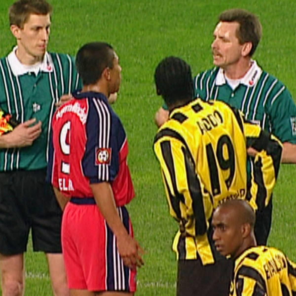 Kartenflut! Als Dortmund vs. Bayern eskalierte