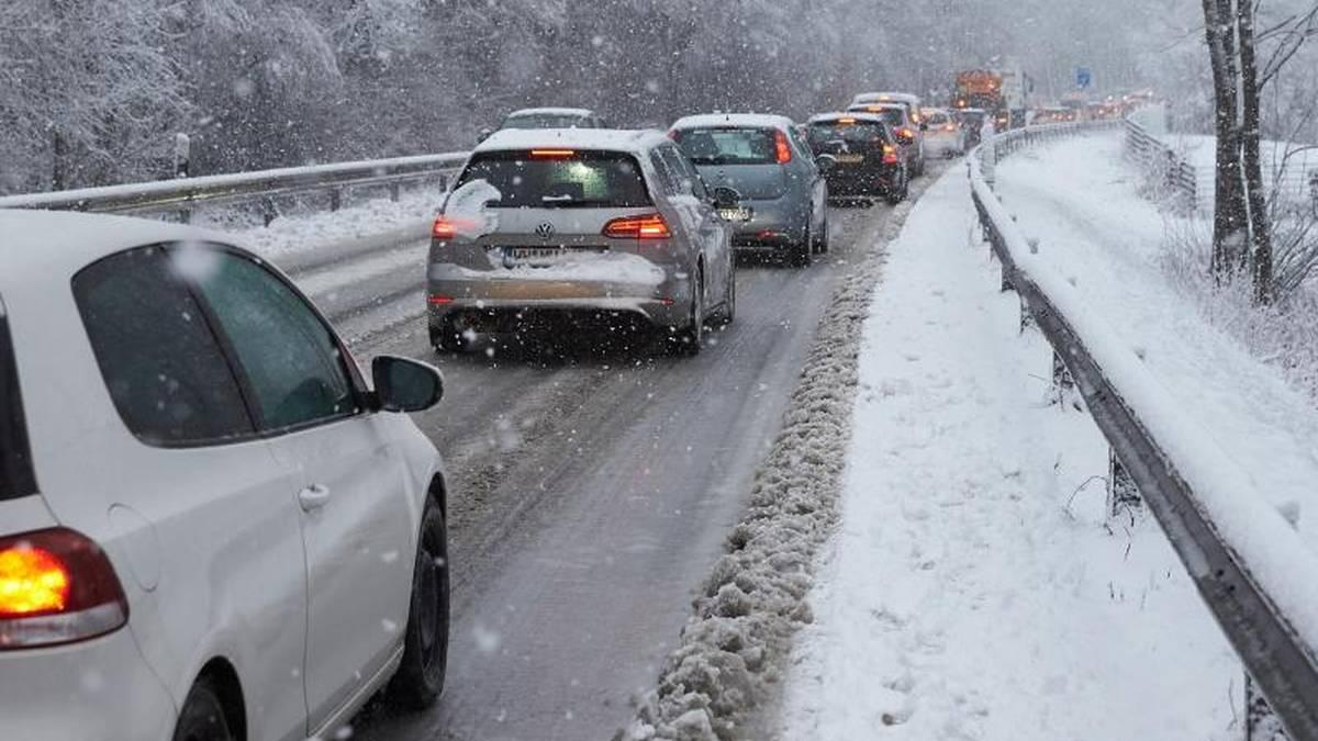 Winterstau: Die richtige Vorbereitung kann Leben retten