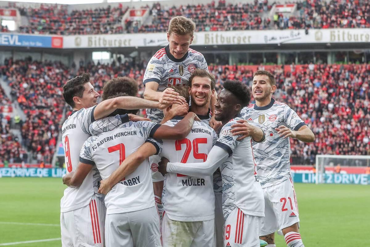 Der FC Bayern zeigt im Spitzenspiel der Bundesliga eine Gala-Vorstellung. Bayer Leverkusen erlebt hingegen eine Demontage. Ein klares Statement im Titelrennen.