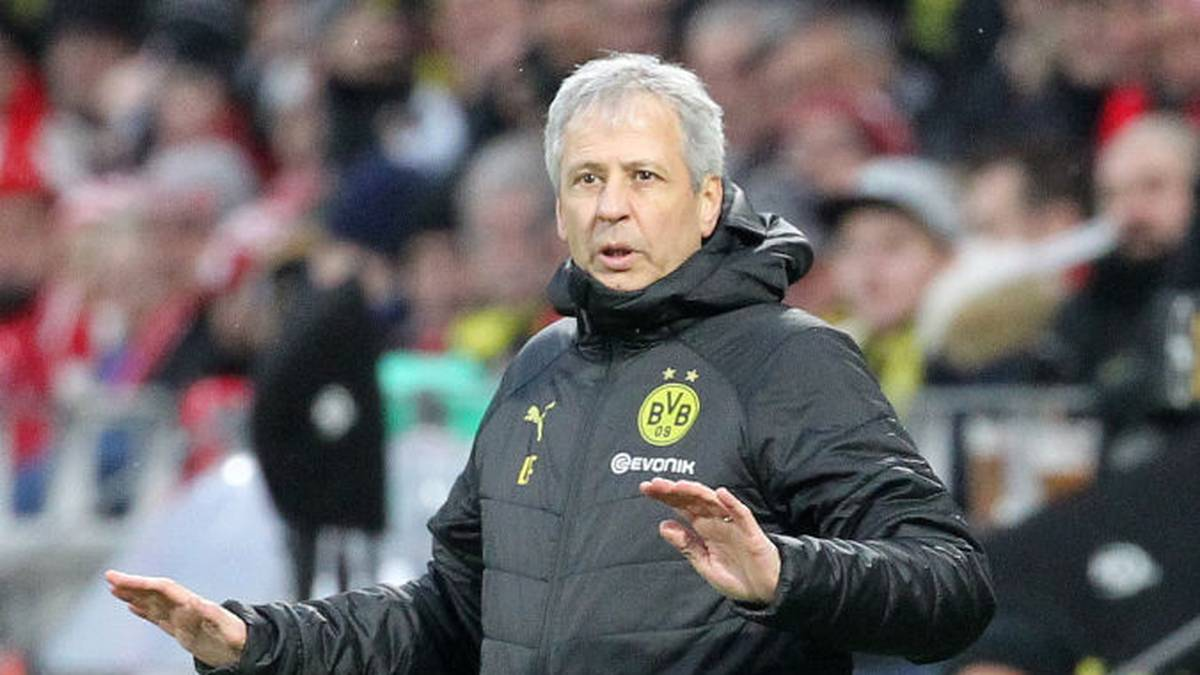 Dortmund's Swiss coach Lucien Favre reacts during the German first division Bundesliga football match Mainz 05 v Borussia Dortmund in Mainz on December 14, 2019. (Photo by Daniel ROLAND / AFP) / DFL REGULATIONS PROHIBIT ANY USE OF PHOTOGRAPHS AS IMAGE SEQUENCES AND/OR QUASI-VIDEO (Photo by DANIEL ROLAND/AFP via Getty Images)