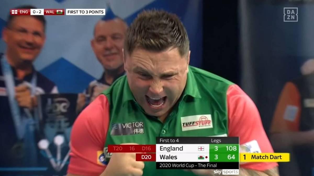 Gerwyn Price schreit nach dem erfolgreichen Matchdart seine Freude hinaus