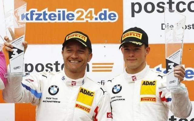 Timo Scheider (links) und Mikkel Jensen mischen im Titelrennen mit