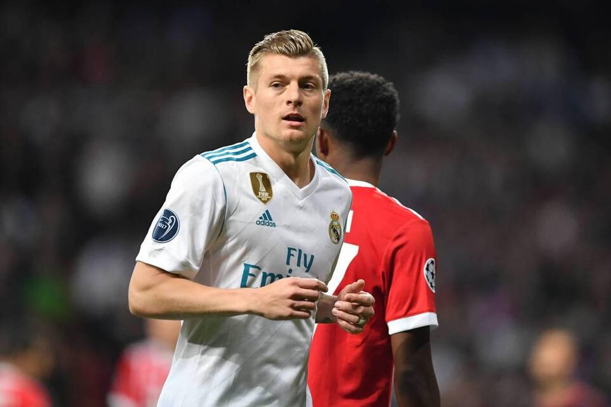 David Alaba spricht über seinen Wechsel vom FC Bayern München zu Real Madrid. Der Österreicher berichtet auch, wer ihn besonders prägte und womit ihn Toni Kroos überrascht.