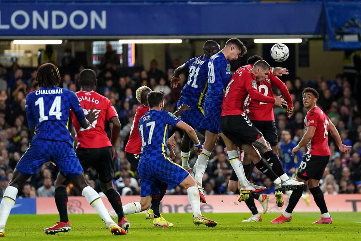 Nationalspieler Kai Havertz hat sich mit dem FC Chelsea ins Viertelfinale des englischen Ligapokals gemüht.