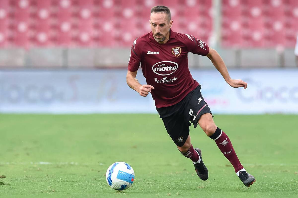 Franck Ribéry hat einen neuen Trainer. Sein Klub US Salernitana entlässt den bisherigen Übungsleiter Castori - und präsentierte prompt seinen Nachfolger.