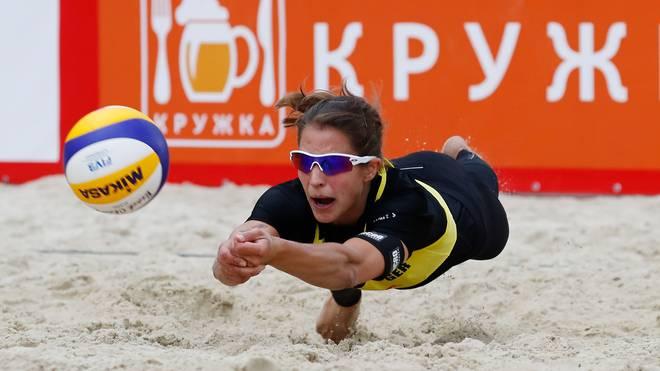 Beachvolleyball: Ittlinger/Laboureur eröffnen Heim-WM in Hamburg, Chantal Laboureur eröffnet mit Partnerin Sandra Ittlinger die Heim-WM in Hamburg