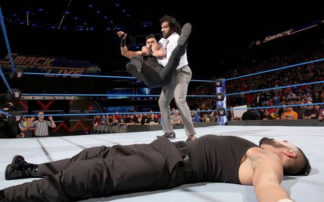 Jinder Mahal wandte sich bei WWE SmackDown Live gegen die Singh Brothers