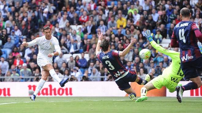 Real Madrid CF v SD Eibar - La Liga