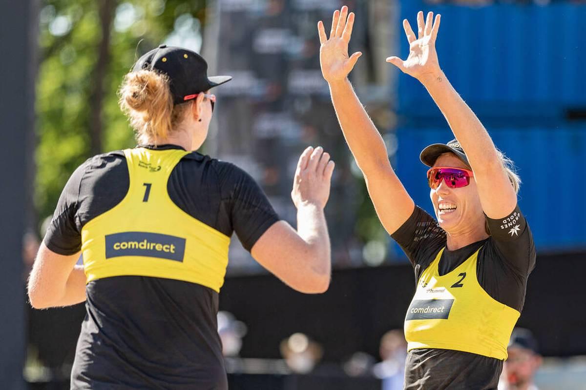 Die Beachvolleyballerinnen Karla Borger und Julia Sude erreichen beim Finale der World Tour im italienischen Cagliari das Finale. Nun wartet das Weltmeisterinnen-Duo.