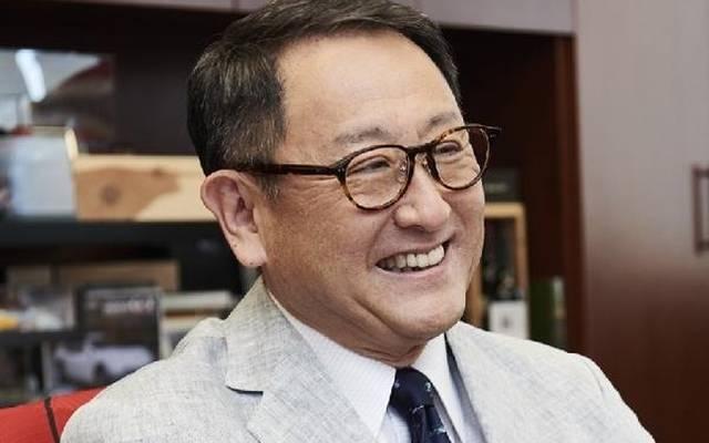 Akio Toyoda gratuliert seinem Rennteam zum WM-Titel in der WEC