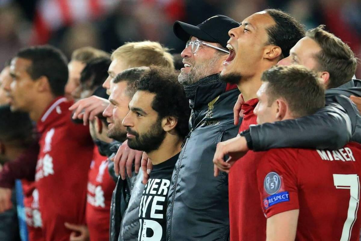 Jürgen Klopp überzeugt mit seiner Menschlichkeit mal wieder neben dem Spielfeld. Der deutsche Erfolgstrainer spricht mit einem emotionalen Brief einem schwerkranken Liverpool-Fan Mut zu.