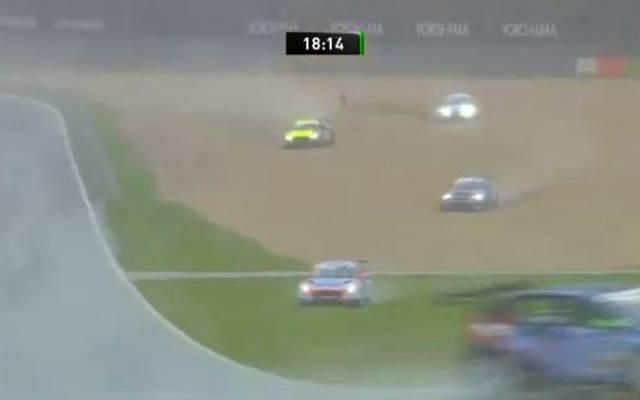 ADAC TCR Germany auf dem Nürburgring: Renn-Abbruch nach Regen
