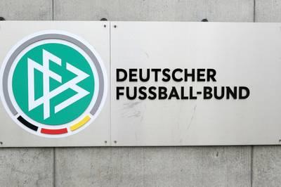 Der DFB kritisiert die Pläne zur Verkürzung des WM-Zyklus auf zwei Jahre. Wie erwartet schlägt sich der Verband auf die Seite der UEFA.