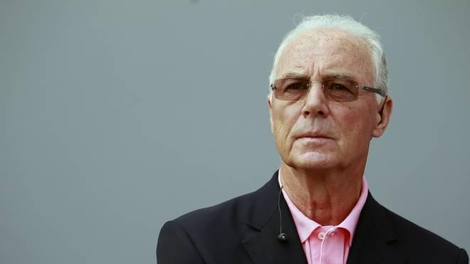 Franz Beckenbauer unterschrieb einen dubiosen Vertragsentwurf