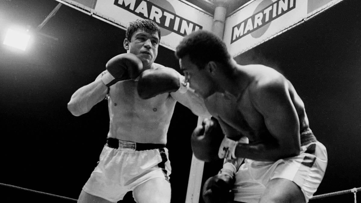 Karl Mildenberger (l.) und Muhammed Ali lieferten sich 1966 im Frankfurter Waldstadion einen legendären Kampf