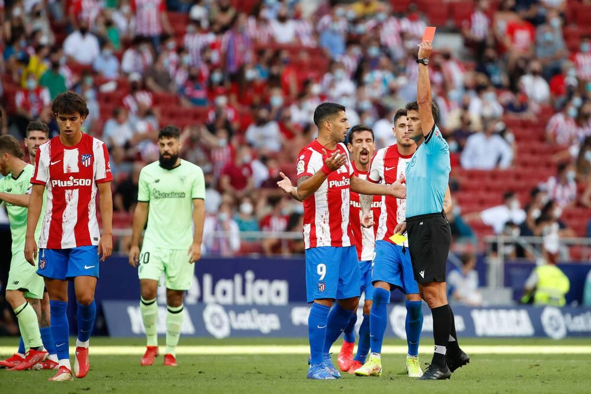 Joao Felix sieht nach seiner Einwechslung gegen Bilbao Gelb-Rot - wegen einer weiteren Disziplinlosigkeit verdoppelt sich aber das Strafmaß für den Star von Atlético Madrid.