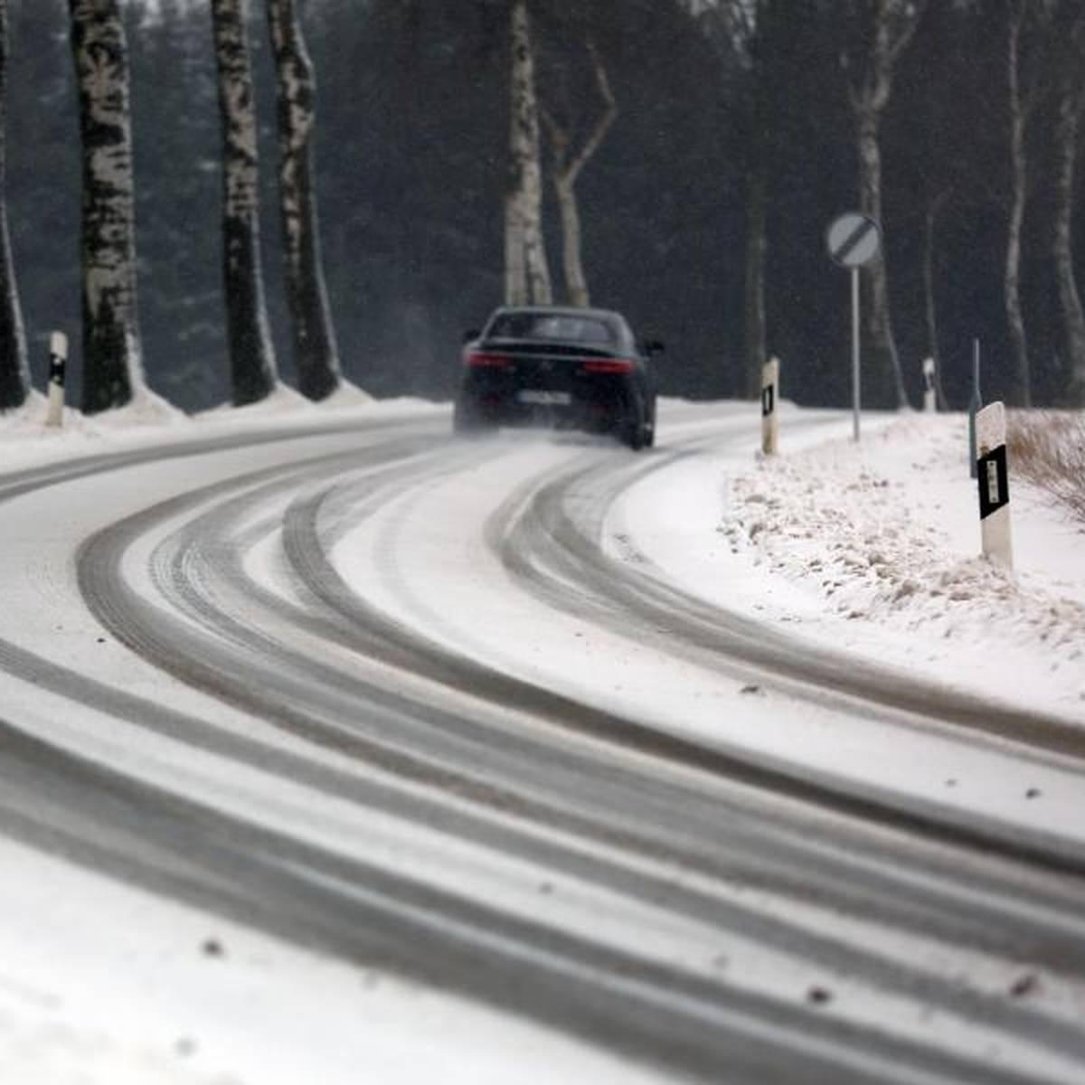 Sicher bei Schneeglätte - Sieben Tipps für Autofahrer im Winter